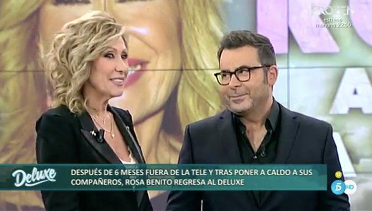 Rosa Benito junto a Jorge Javier Vázquez en su vuelta a 'Sálvame Deluxe' | Foto: Telecinco.es