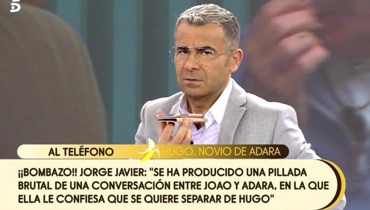 Jorge Javier Vázquez escuchando atentamente a Hugo | Foto: telecinco.es