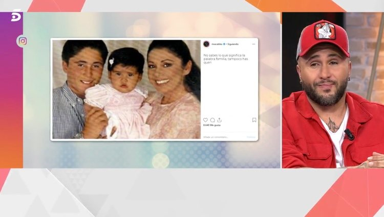 Kiko Rivera viendo la felicitación de cumpleaños a su hermana Chabelita Pantoja / Telecinco.es
