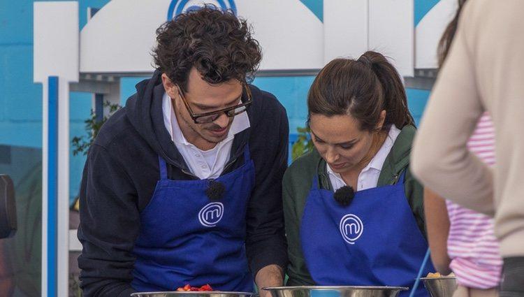 Juan Avellaneda y Tamara Falcó cocinando   Instagram