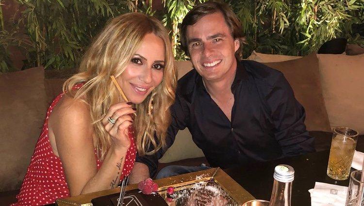 Marta Sánchez y Federico León celebrando el cumpleaños de la cantante/Instagram