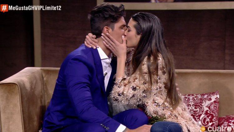 Diego Matamoros y Estela se besan en su reencuentro | Foto: Cuatro.com
