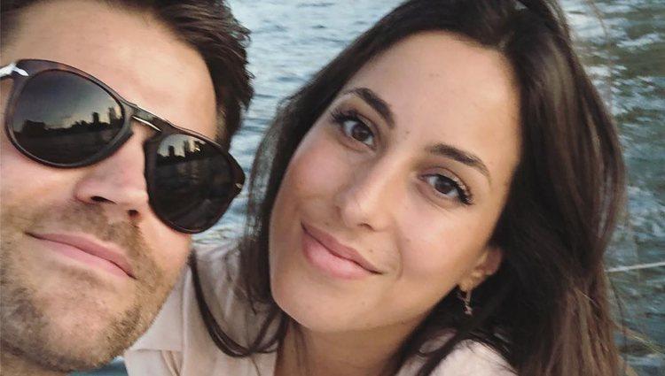 Paul Wesley e Ines de Leon mantienen su relación en la intimidad | Foto: Instagram