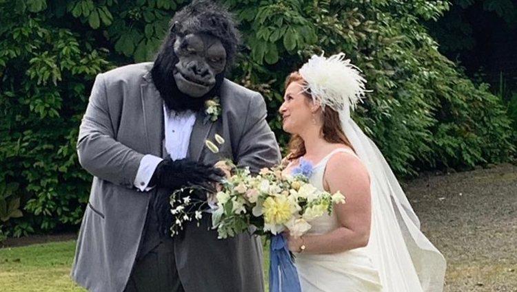 Jorge García se casó vestido de gorila | Foto: Instagram