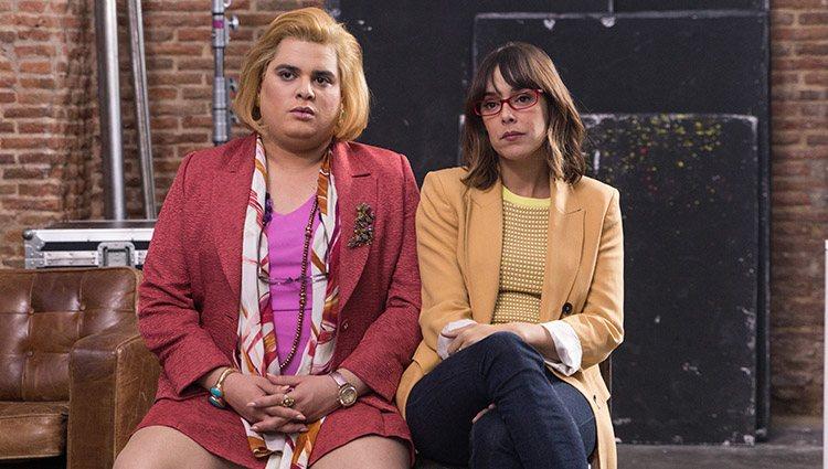 Paquita Salas (Brays Efe) y Magüi (Belén Cuesta) en la tercera temporada de 'Paquita Salas'