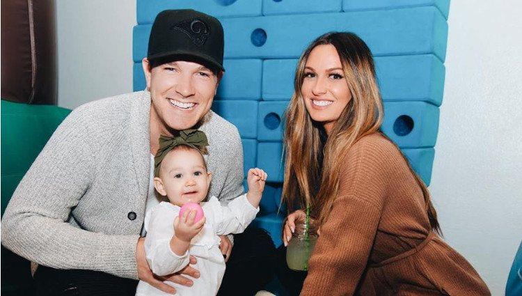 Angel Carter junto a su marido y su hija Harper/Foto: Instagram