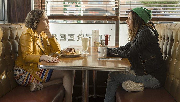 Hannah (Lena Dunham) y Shoshanna (Zosia Mamet) en la sexta temporada de 'Girls'   Foto: HBO