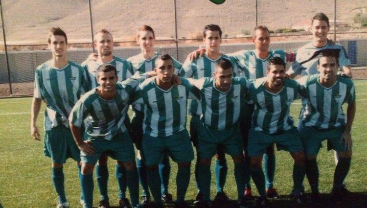 Semi Hernández con su equipo de CD Teguise/Facebook