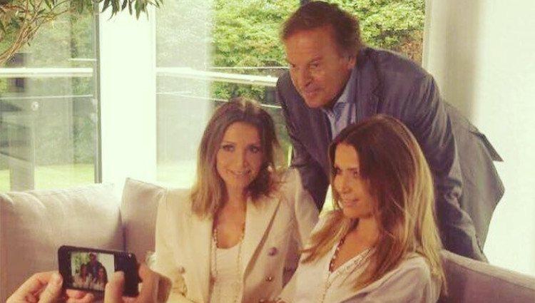 Nicole y Barbara Kimpel en la grabación del piloto para televisión de su programa/Foto:Instagram