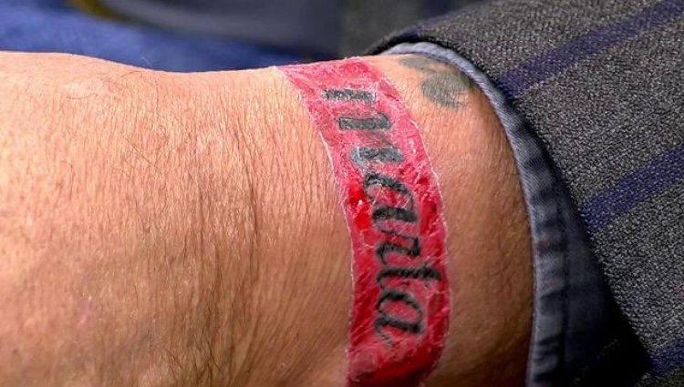 El nuevo tatuaje de Kiko Matamoros con el nombre de su novia/ Foto: Telecinco.es