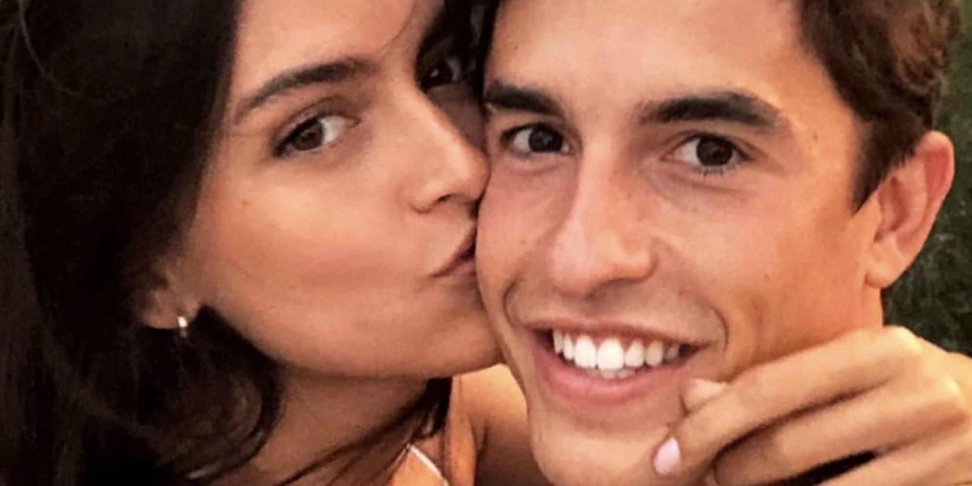 Lucía Rivera y Marc Márquez se relajan en el mar mientras se recuperan de sus operaciones