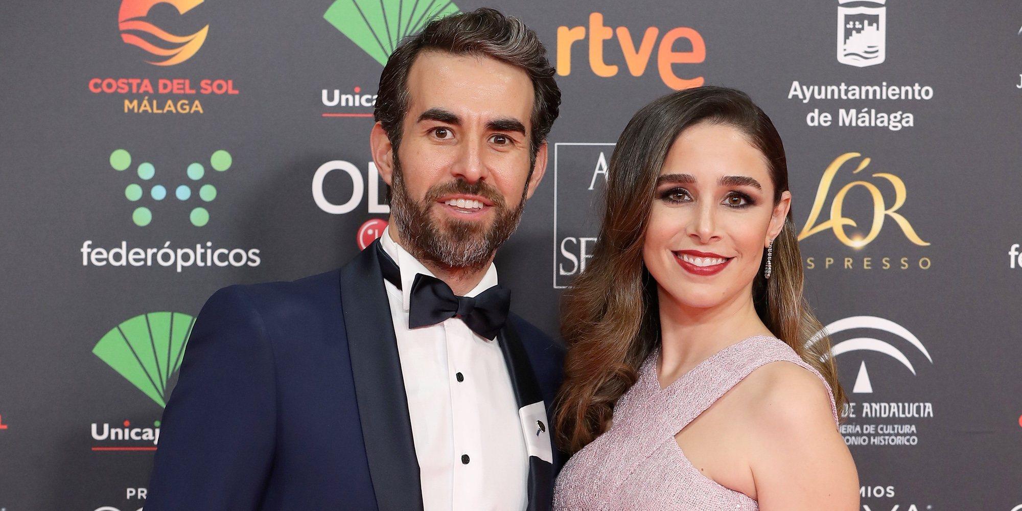 Candela Serrat presume de embarazo y de felicidad con Daniel Muriel en la alfombra roja de los Goya 2020