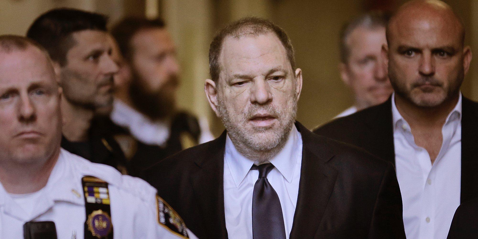 """Una presunta víctima testifica contra Weinstein: """"Me dijo: 'No te preocupes, no puedo tener hijos' y me violó"""""""