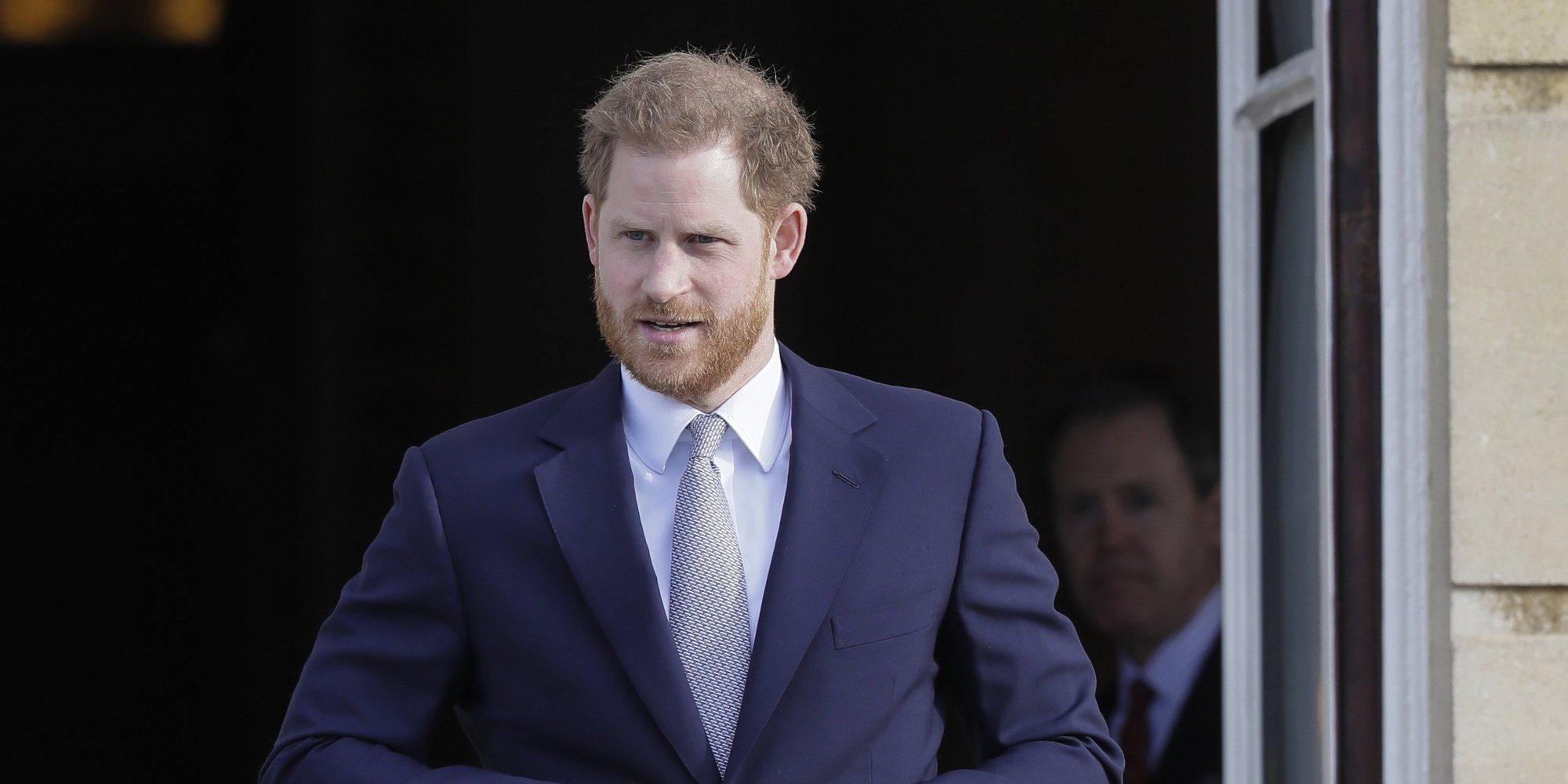 El Príncipe Harry lucha contra su calvicie visitando una prestigiosa clínica de tratamiento capilar