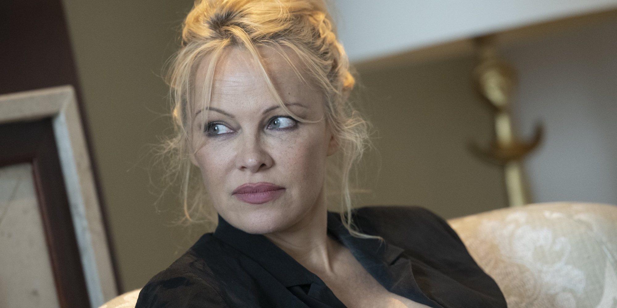 Jon Peters, marido de Pamela Anderson durante doce días, asegura que le utilizó para pagar sus deudas