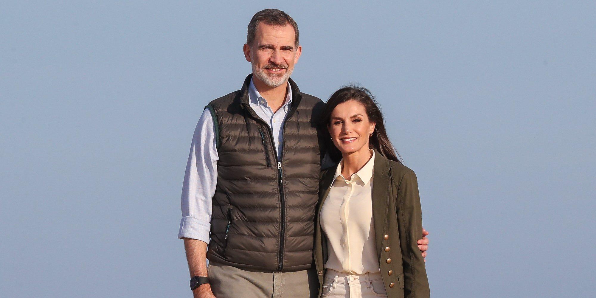 La complicidad de los Reyes Felipe y Letizia durante su viaje a Doñana por el día de San Valentin