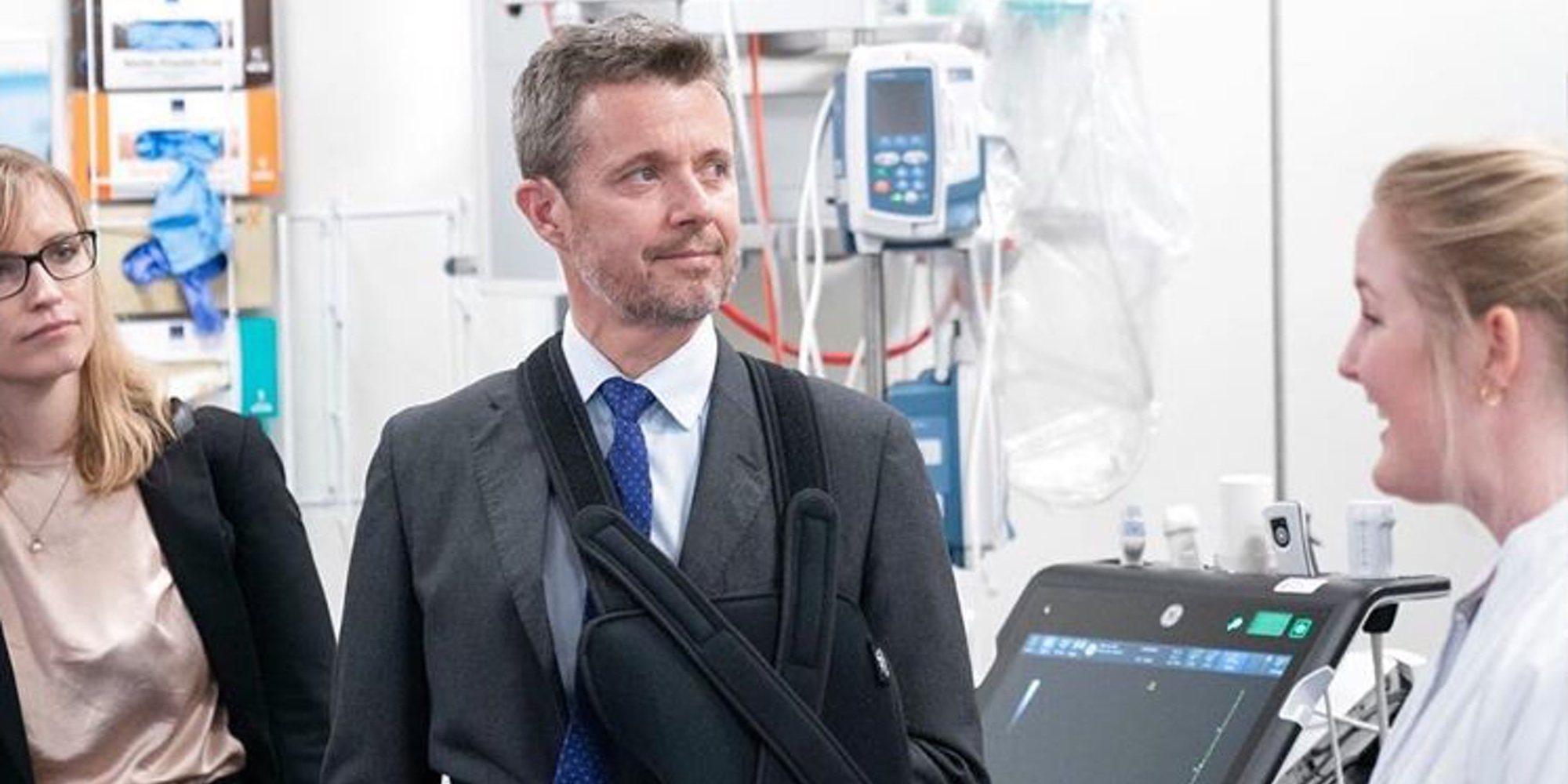 Federico de Dinamarca reaparece con el brazo en cabestrillo y explica cómo fue su accidente de esquí