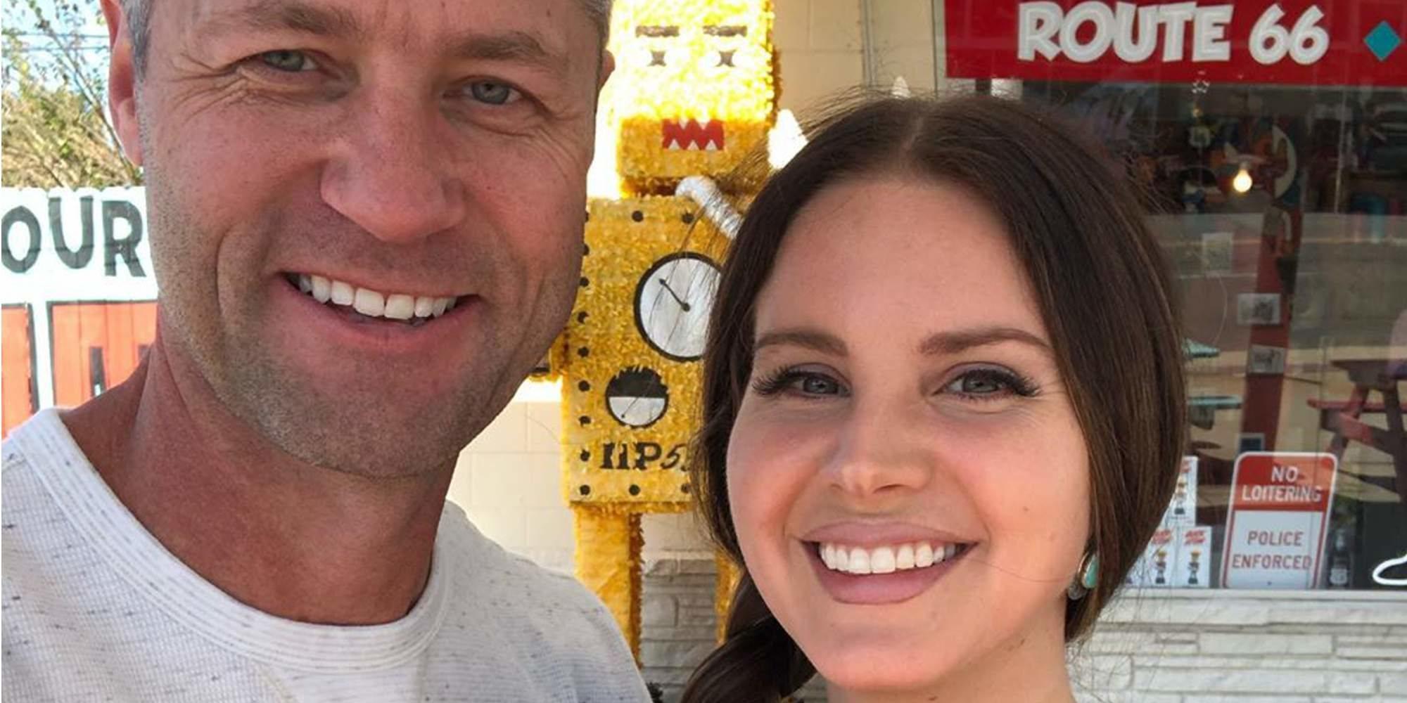 """Lana Del Rey y Sean Larkin rompen su noviazgo: """"Nos seguimos cayendo igual de bien que el primer día"""""""