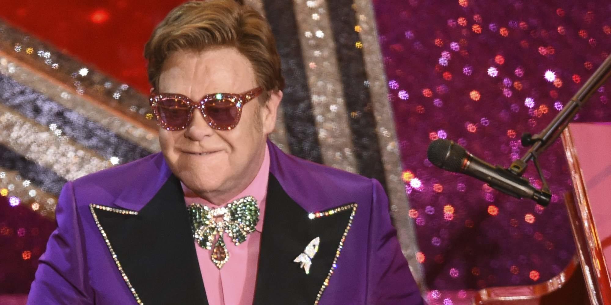 Elton John recauda más de 8 millones de dólares con el concierto solidario que hizo desde casa