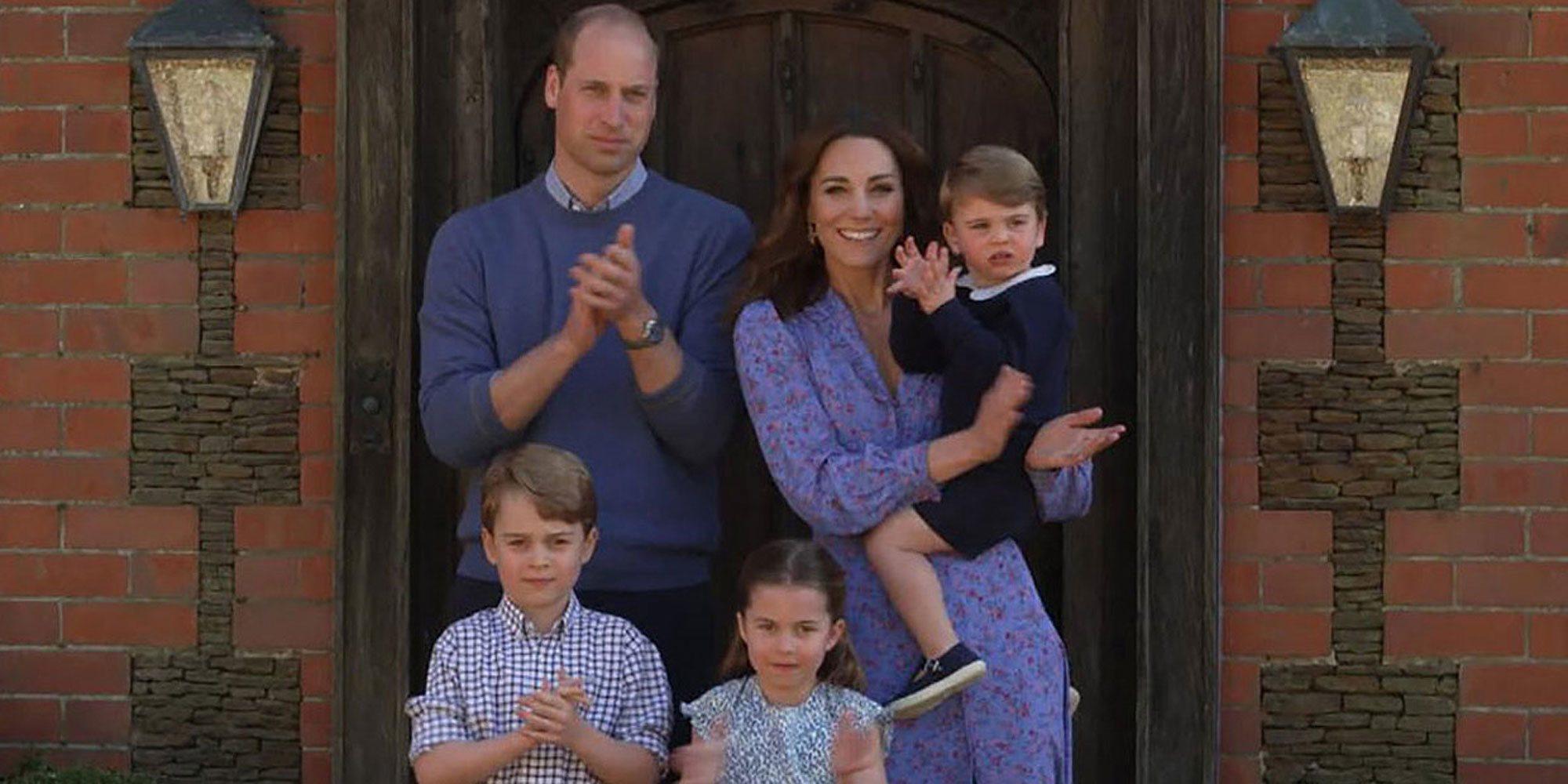 Los Duques de Cambridge aparecen por sorpresa en un programa de televisión acompañados por sus hijos