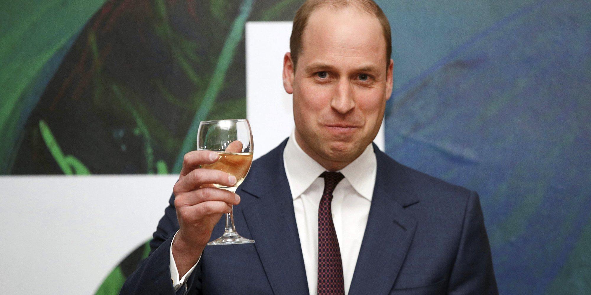 El Príncipe Guillermo celebra su 38 cumpleaños compartiendo unas imágenes inéditas junto a sus hijos