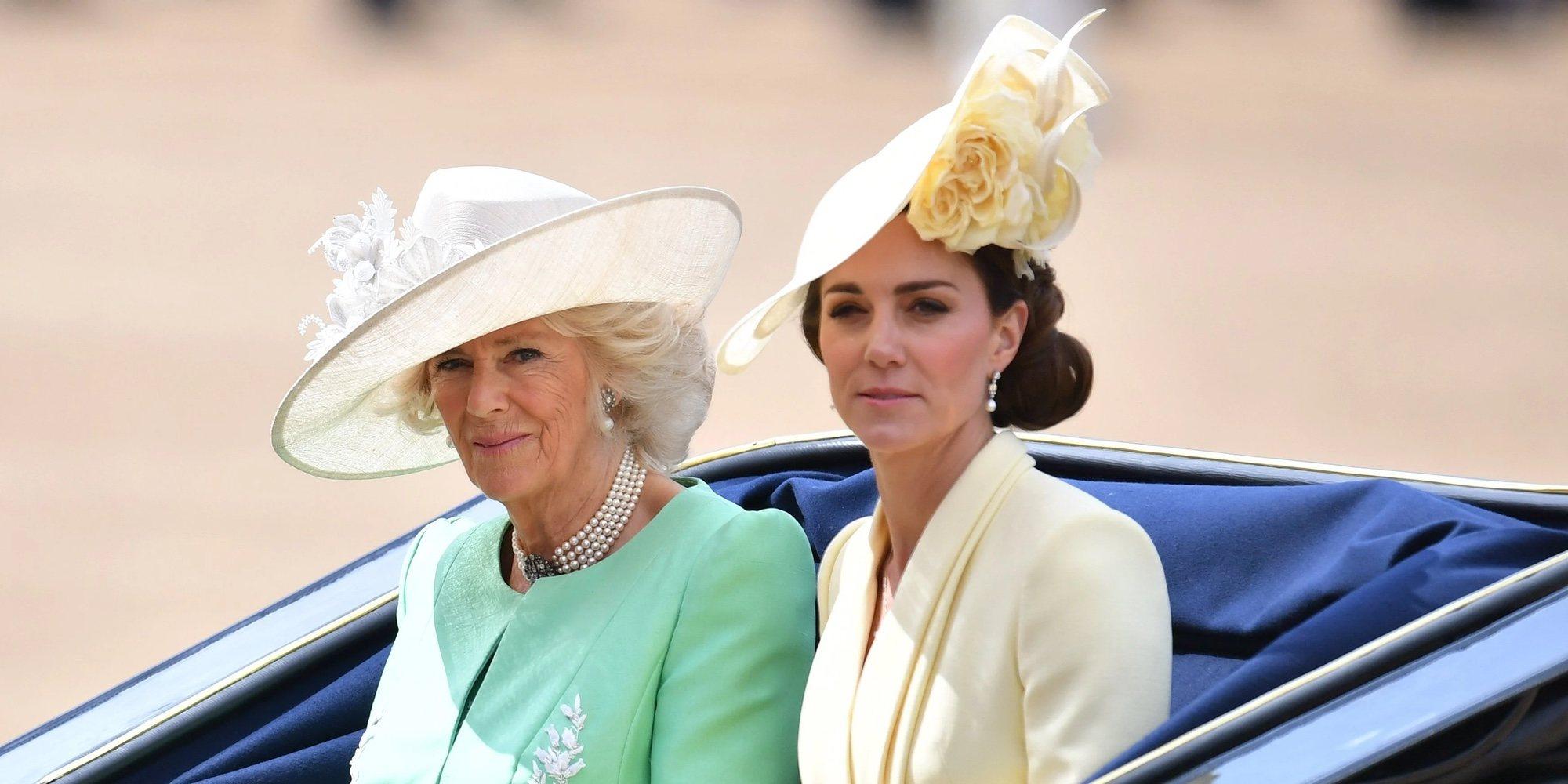 Kate Middleton y la Duquesa de Cornualles, muy unidas en su compromiso social en favor de los niños