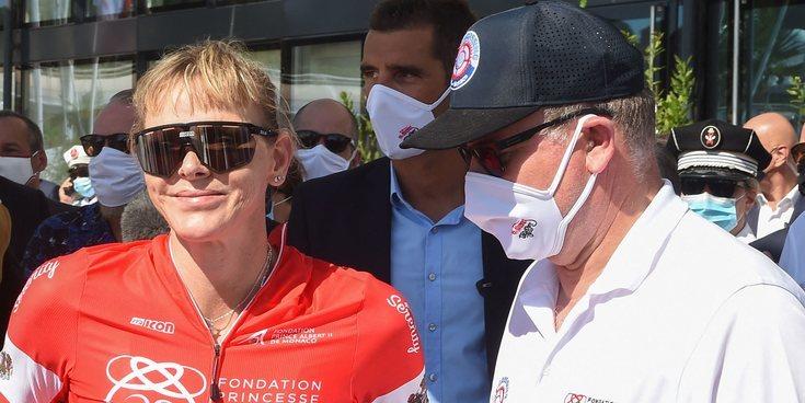 Charlene de Mónaco se deja la piel en un torneo deportivo con el apoyo de sus hijos y Alberto de Mónaco