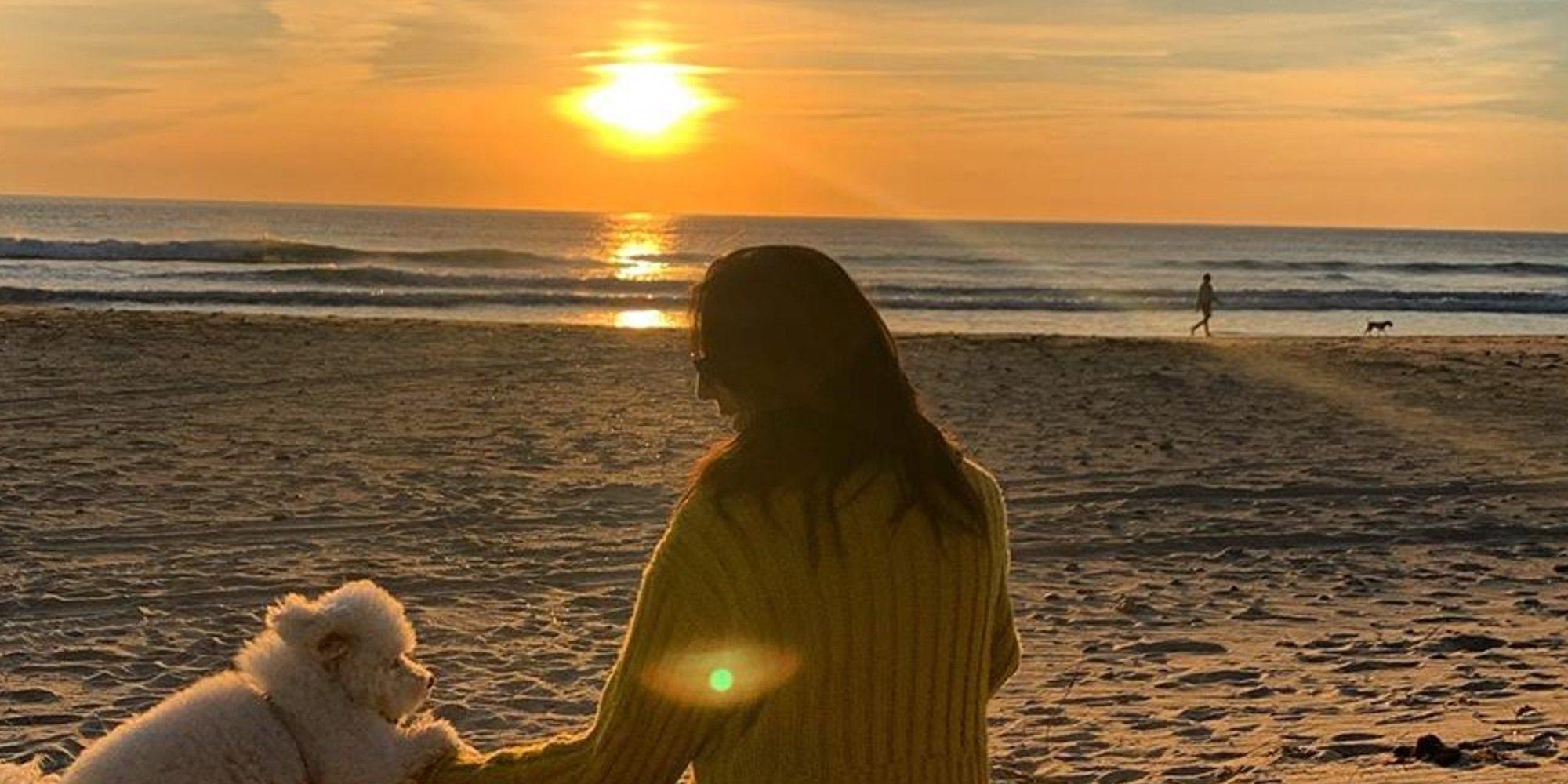El brindis desde la playa de Zahara de los Atunes con el que Paz Padilla ha recordado a su marido