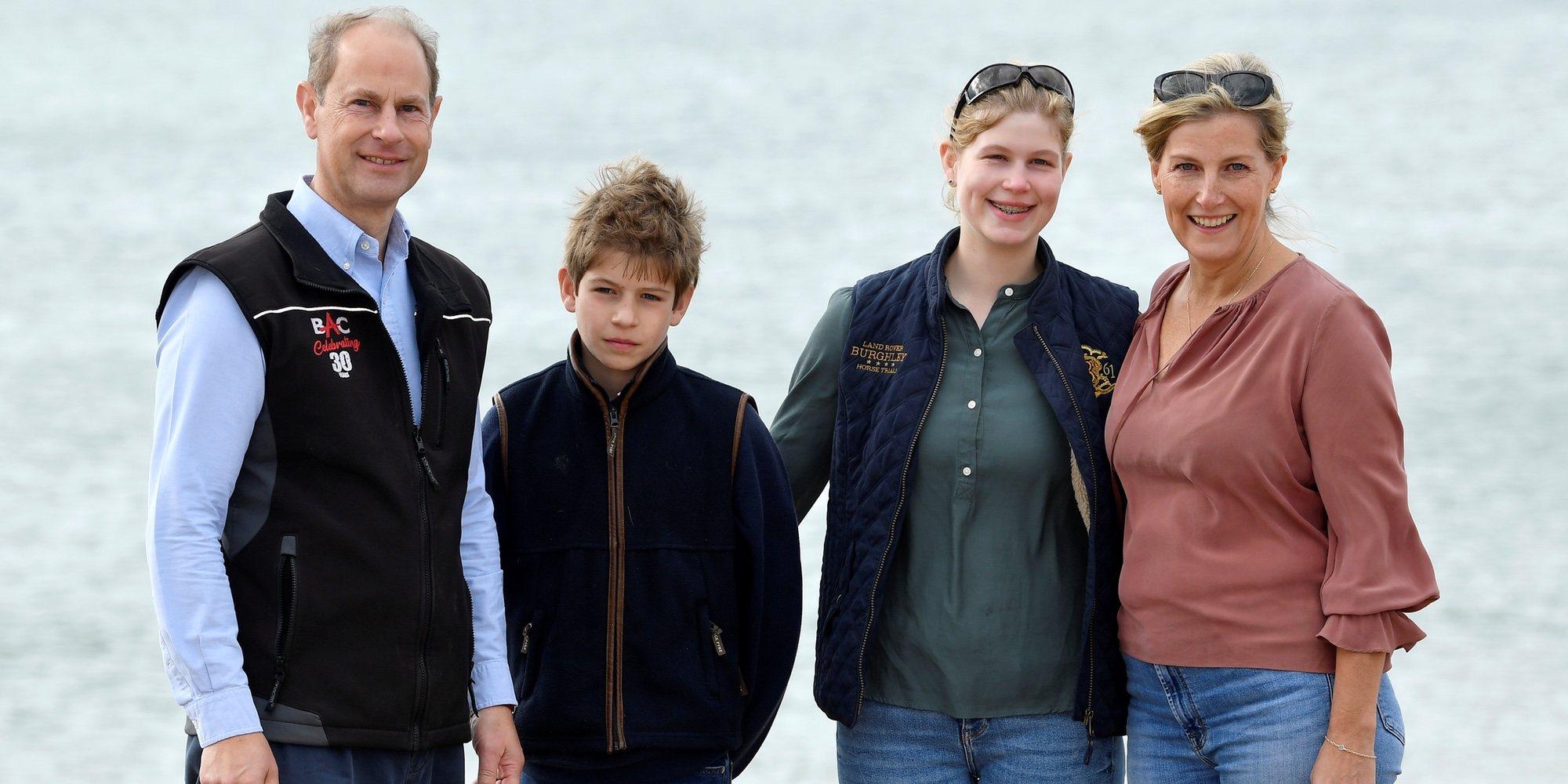 El gesto que une a los Condes de Wessex y sus hijos y a Alberto de Mónaco y sus mellizos con la Reina Sofía