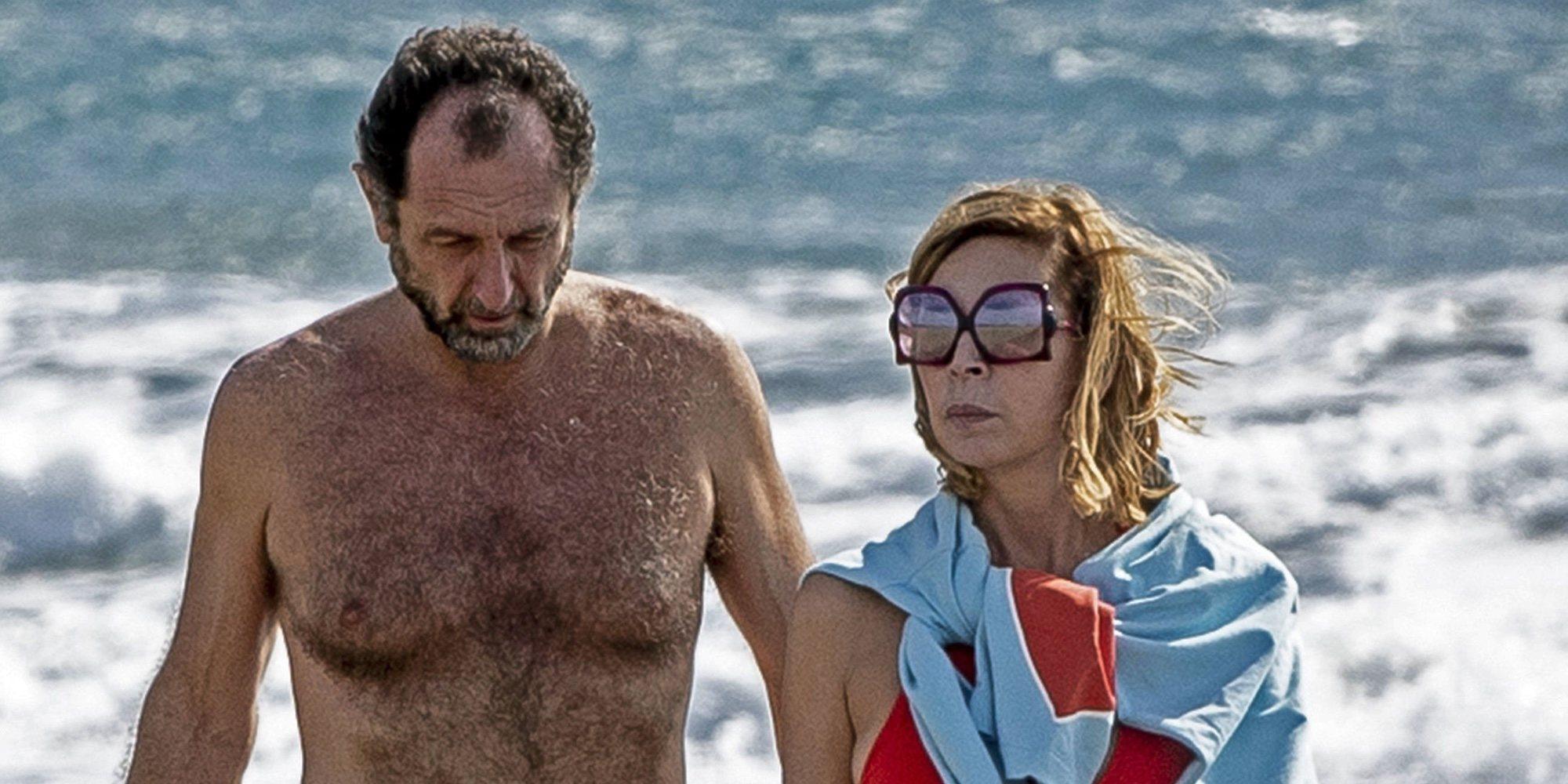 Ágatha Ruiz de la Prada y Luis Gasset, paseo de enamorados por las playas de Gran Canaria