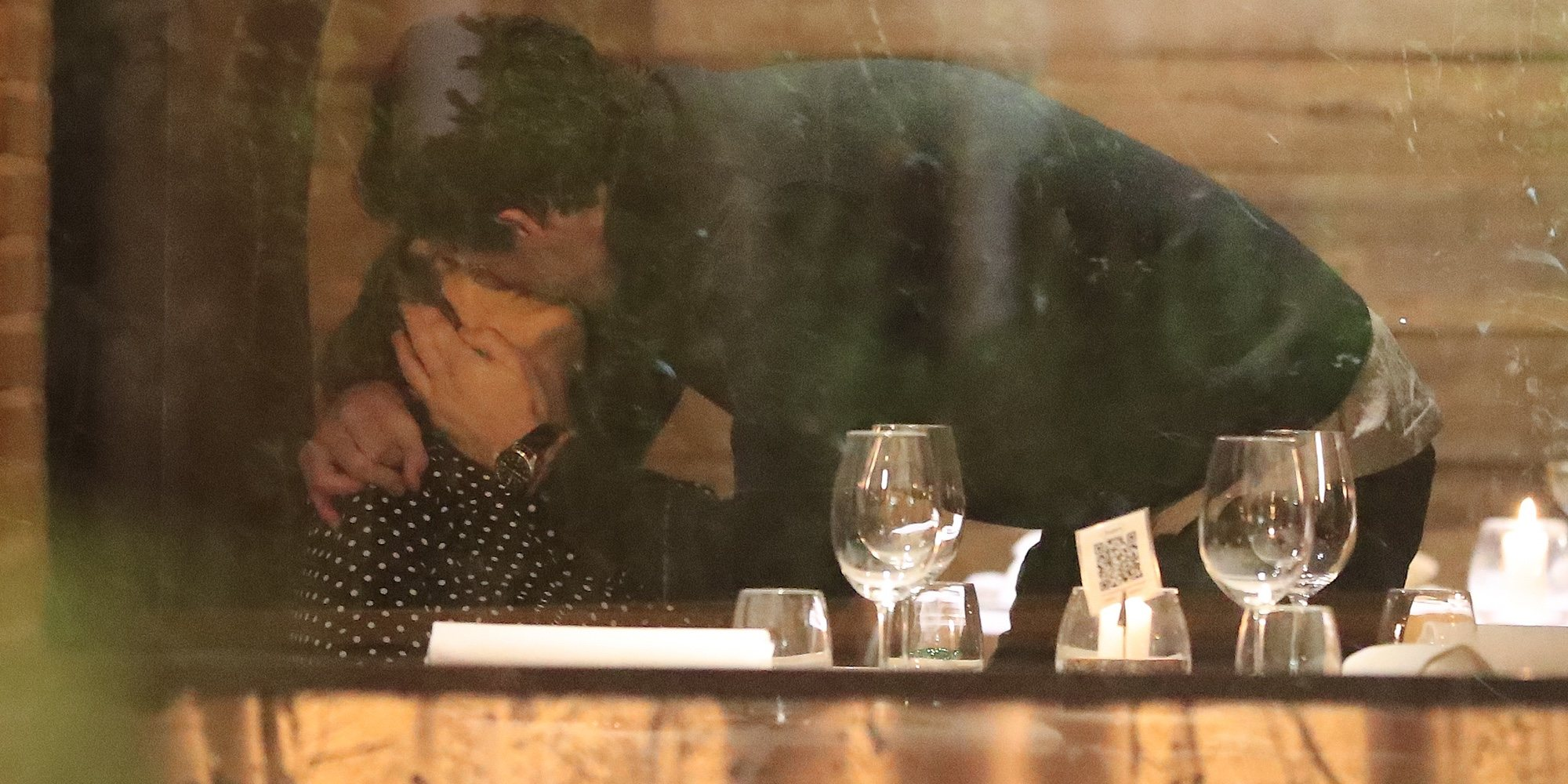 Tamara Falcó confirma su relación con Íñigo Onieva con un pasional beso