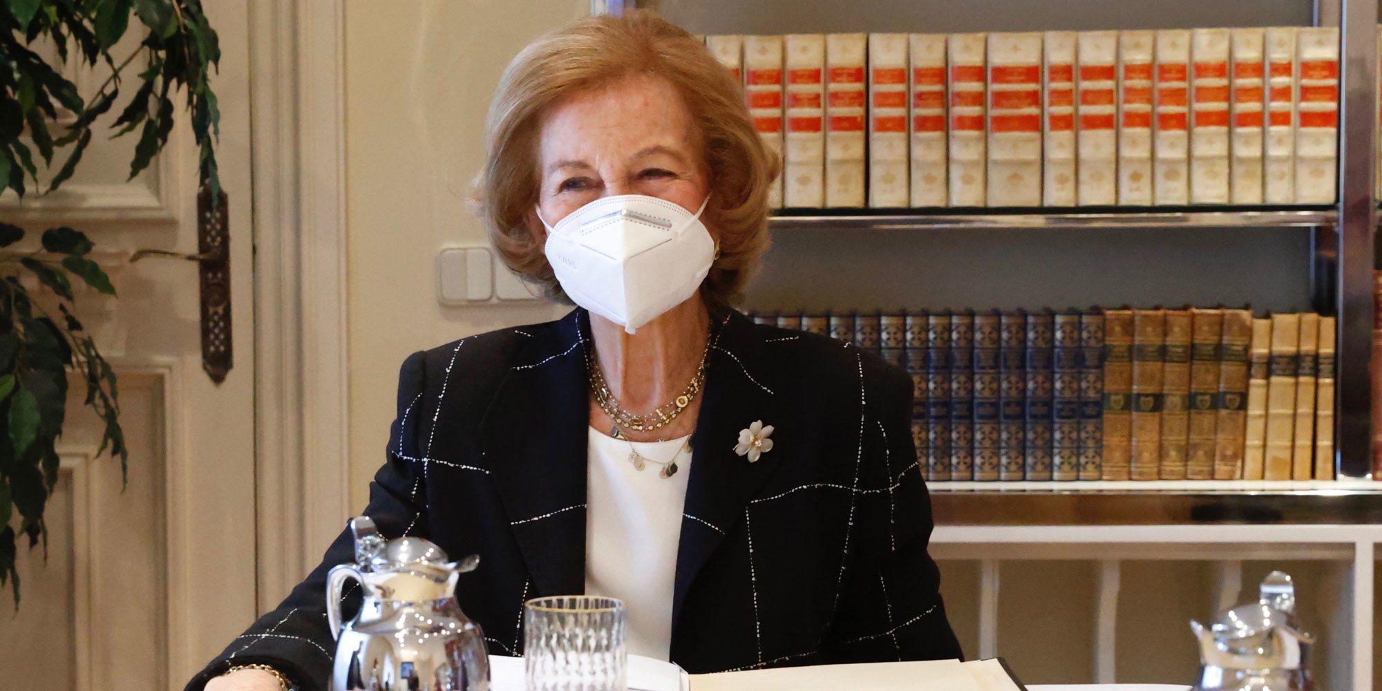 La reunión de la Reina Sofía con la Fundación Reina Sofía: un guiño familiar y un éxito solidario