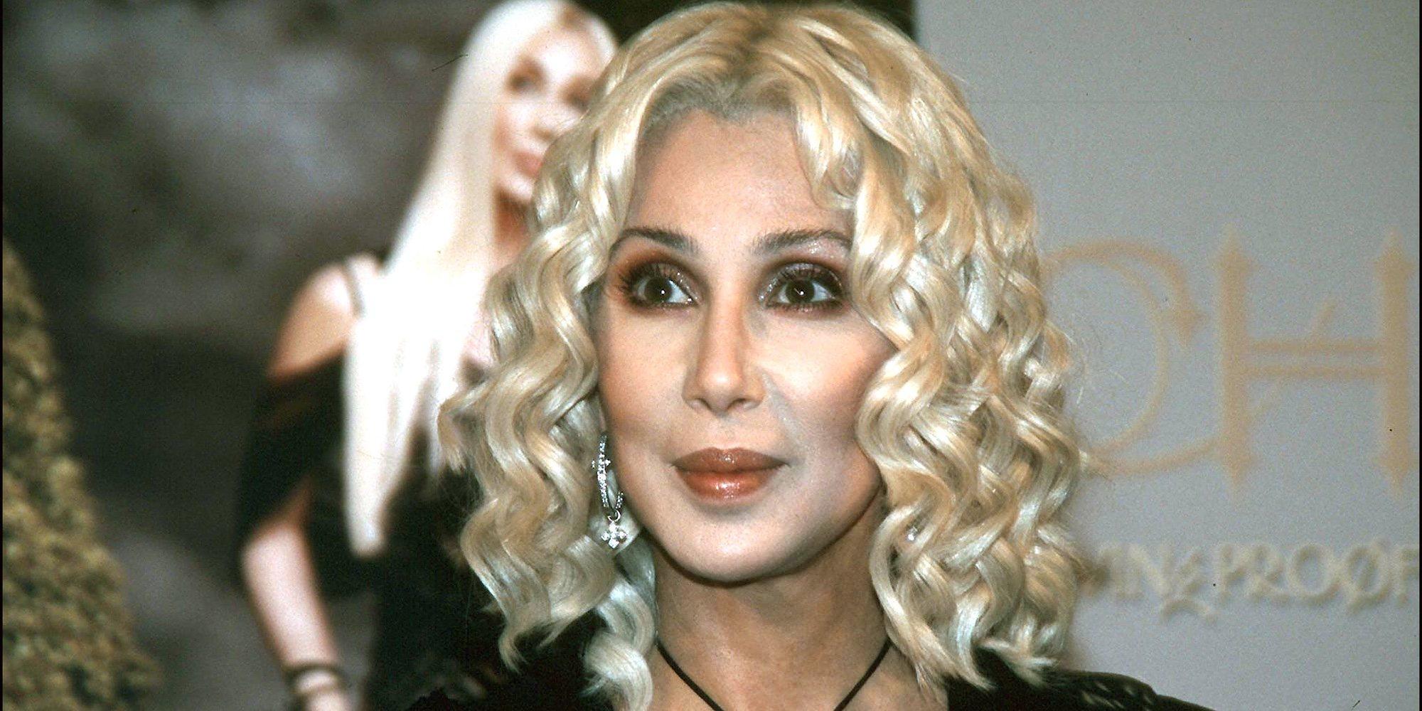 """Cher revela que un hombre intentó matarla antes de una actuación: """"Dijo si haces un sonido, te mataré"""""""