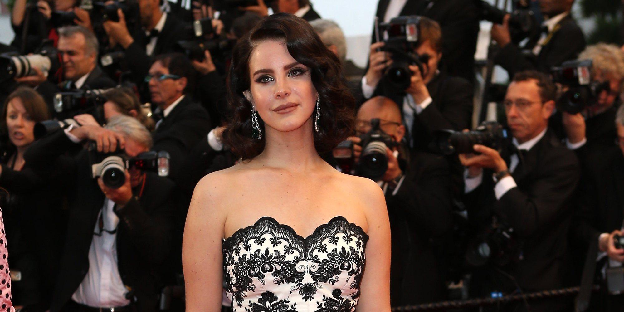 Lana Del Rey se compromete con su novio Clayton Johnson