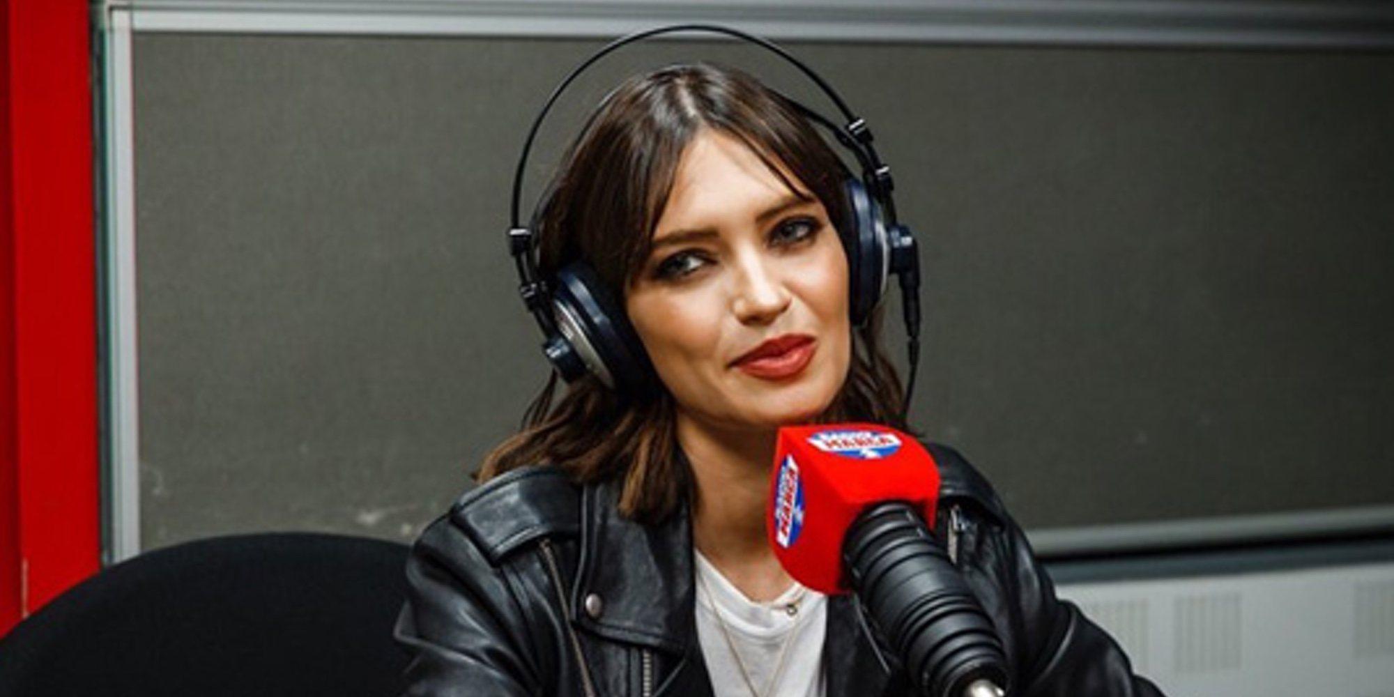 Sara Carbonero enseña los entresijos de su vuelta a la radio