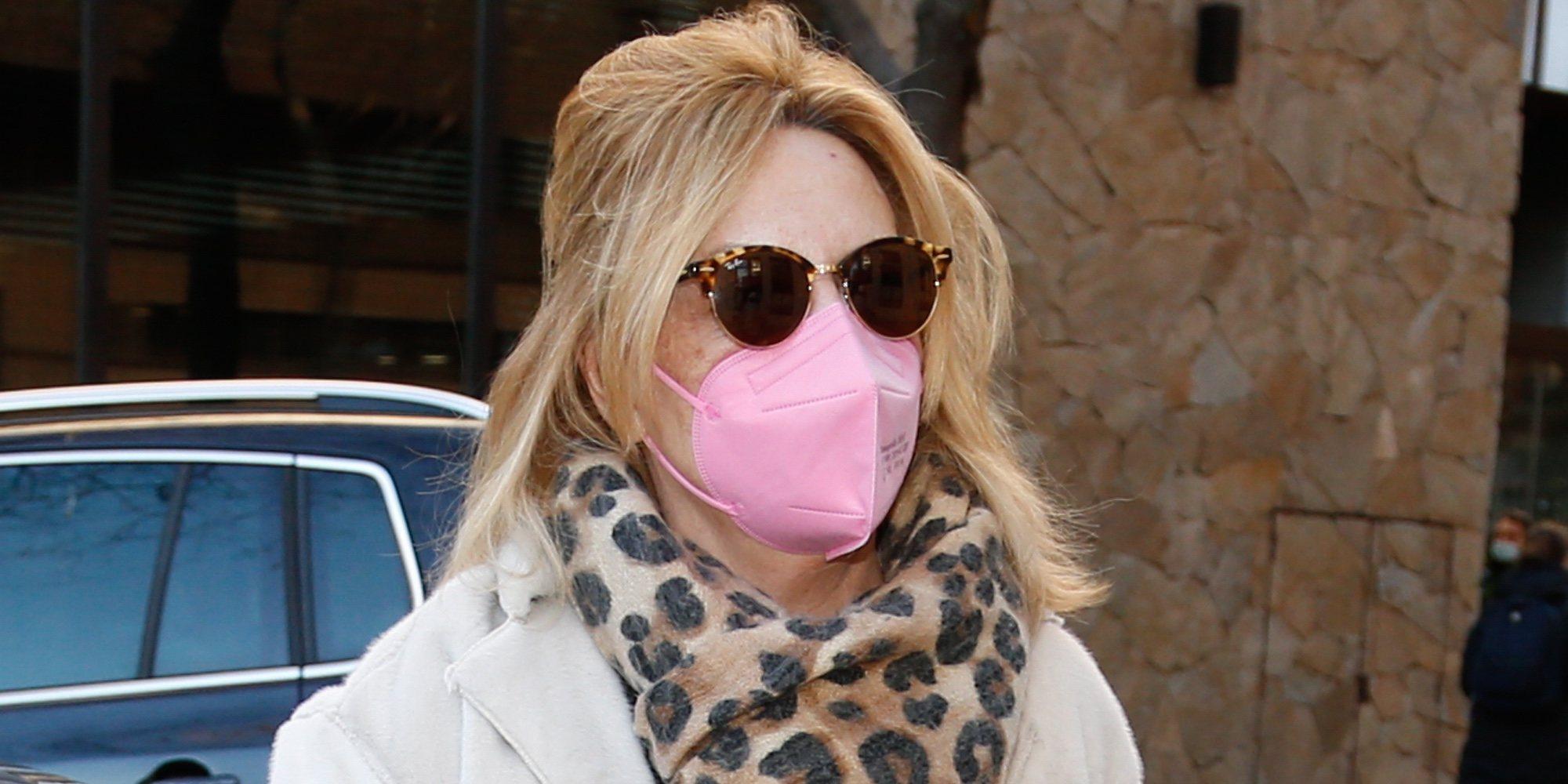 Lydia Lozano ingresa en el hospital para ser operada de las cervicales