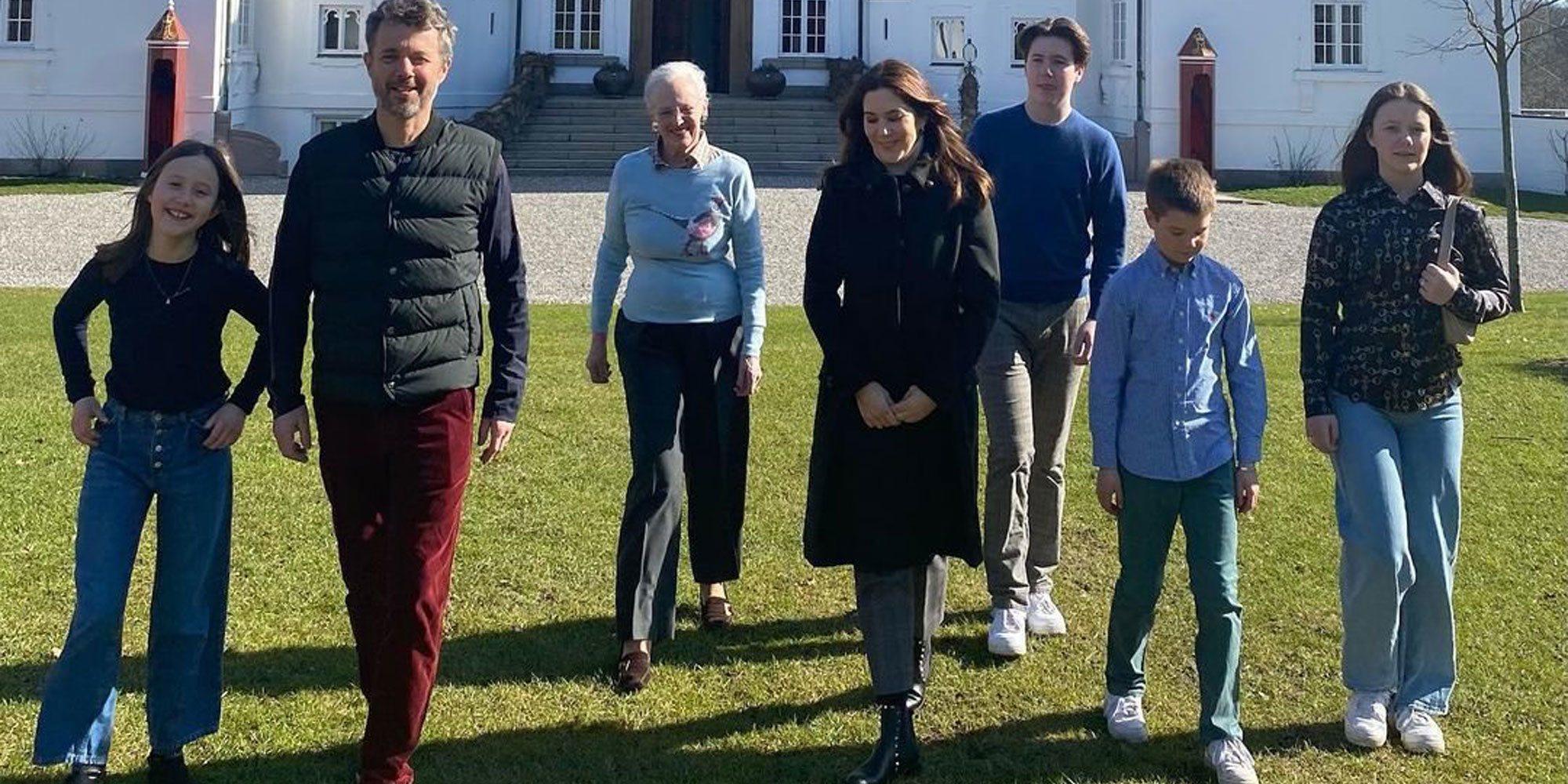 Margarita de Dinamarca se reencuentra con Federico y Mary de Dinamarca y sus hijos por Pascua
