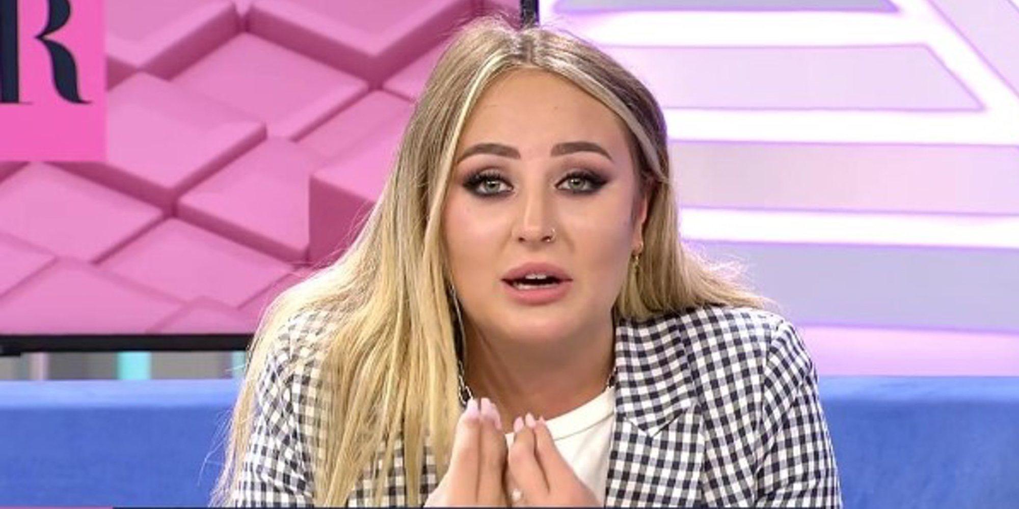 """Rocío Flores habla de Rocío Carrasco en directo: """"Te lo digo a ti, mamá. Tus hijos están aquí. Habla con nosotros"""""""