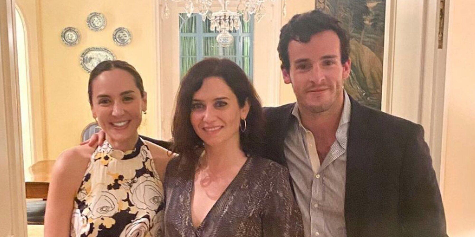 Tamara Falcó e Íñigo Onieva, anfitriones de honor para Isabel Díaz Ayuso en la mansión de Isabel Preysler