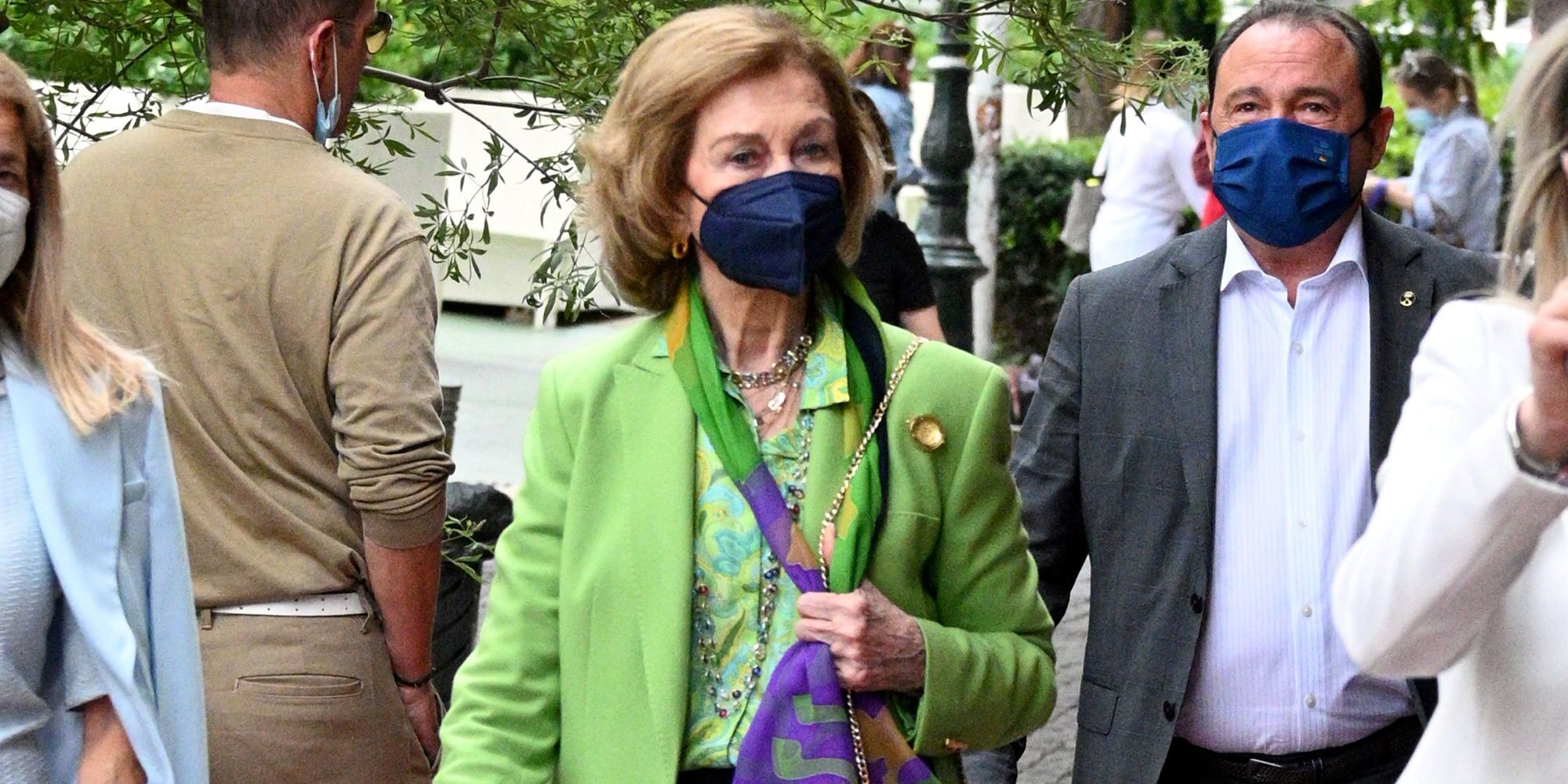 La Reina Sofía aprovecha su visita a Grecia para irse de compras por Atenas