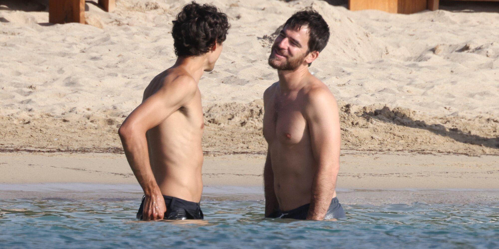 Alfonso Bassave y Daniel Duboy disfrutan de su amor en Ibiza