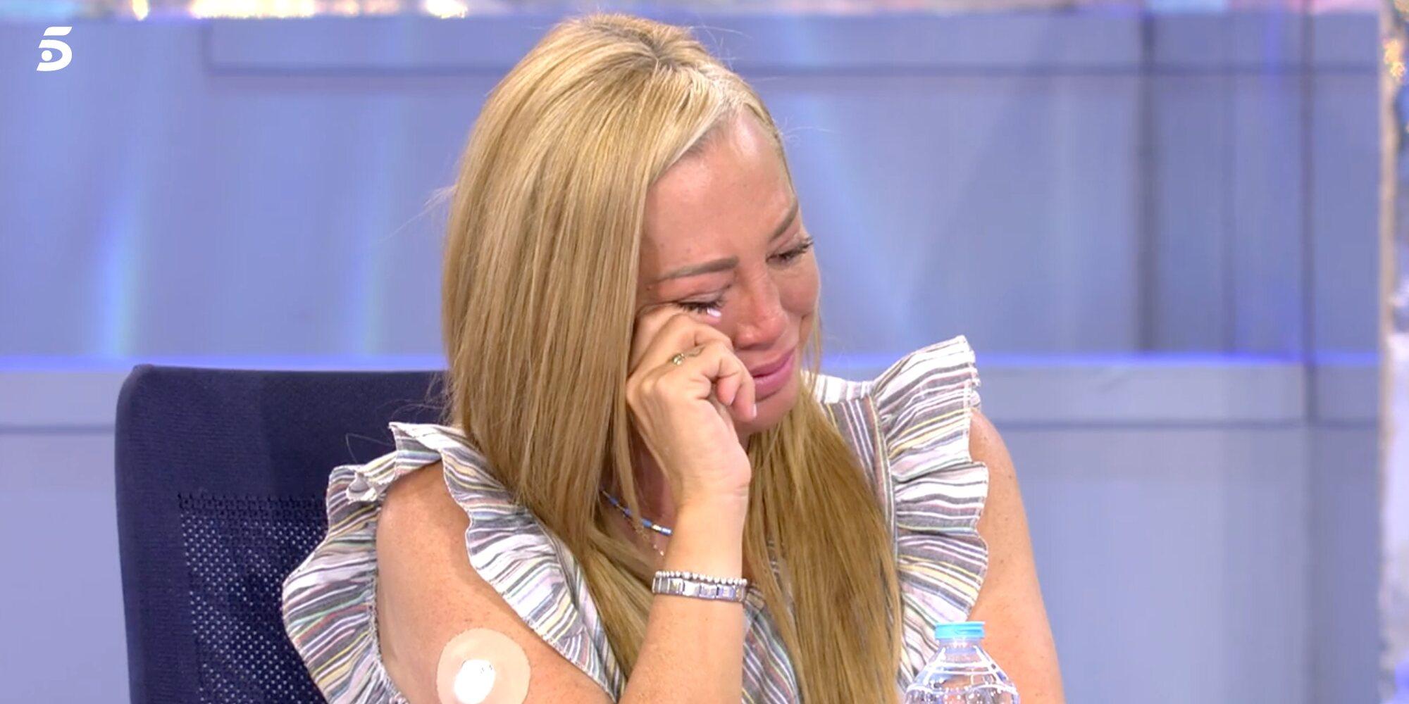 Belén Esteban y Kiko Hernández reciben en 'Sálvame' el regalo que Mila Ximénez les dejó antes de morir