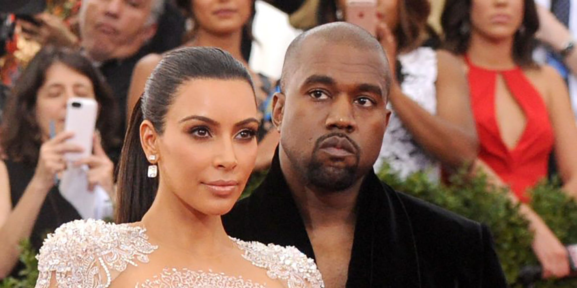 """Kanye West se emociona delante de Kim Kardashian en la presentación de su disco: """"Estoy perdiendo a mi familia"""""""