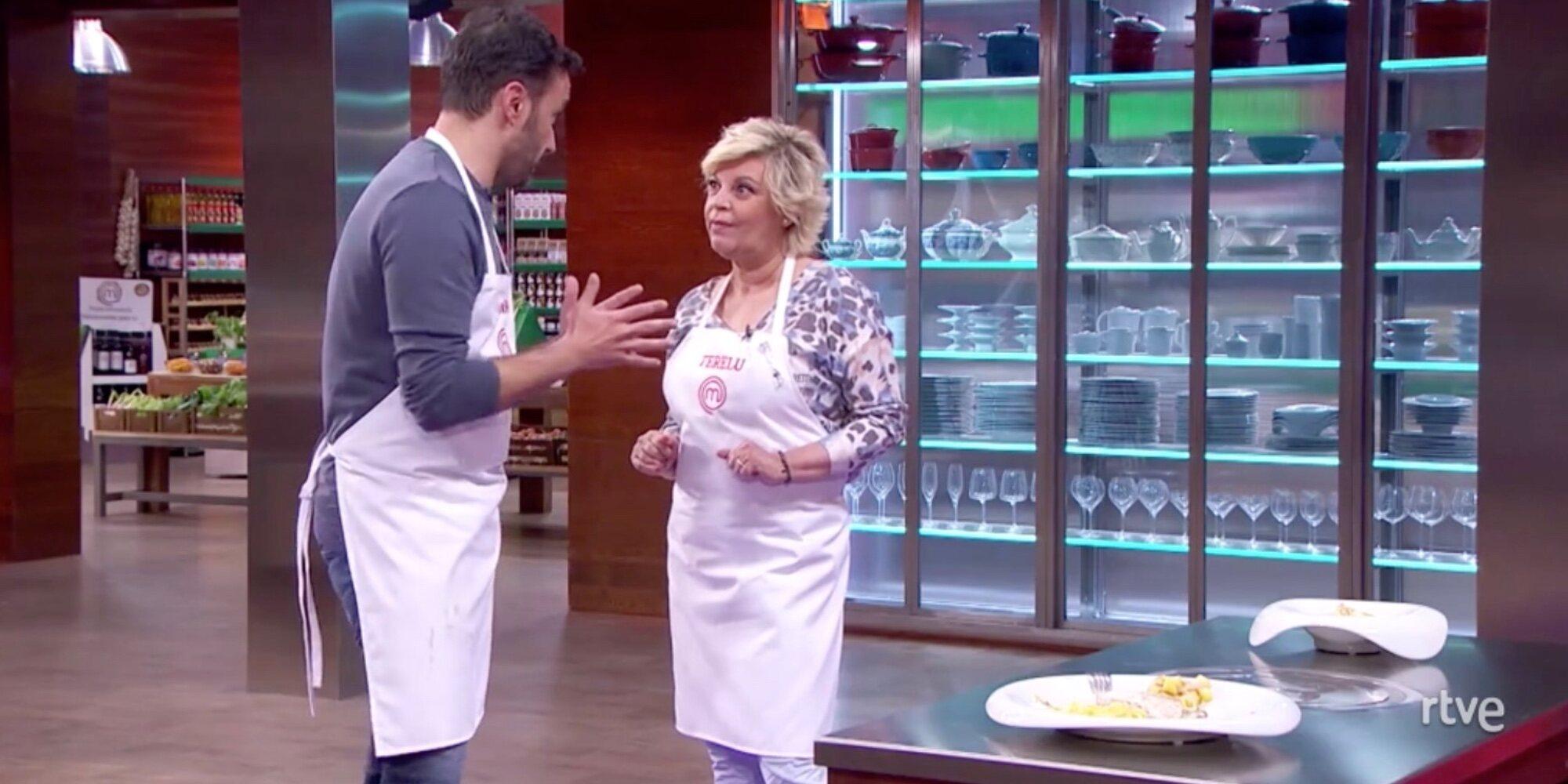 """El primer pique entre Terelu Campos y Juanma Castaño en 'Masterchef Celebrity': """"¿Tú qué sabes de mis novios?"""""""