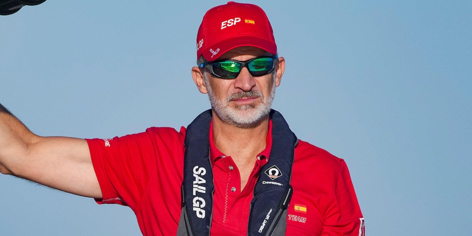 El Rey Felipe, un tripulante más en una competición de los catamaranes voladores más rápidos del mundo