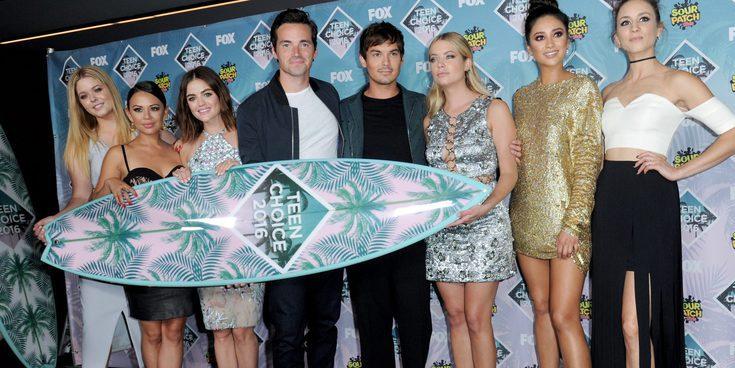 Justin Bieber, Selena Gomez y 'Pretty Little Liars' triunfan como ganadores de los Teen Choice Awards 2016