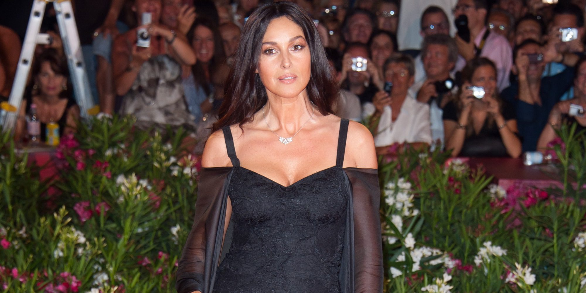 Monica Bellucci se desnuda en la portada de la revista Paris Match a sus 51 años