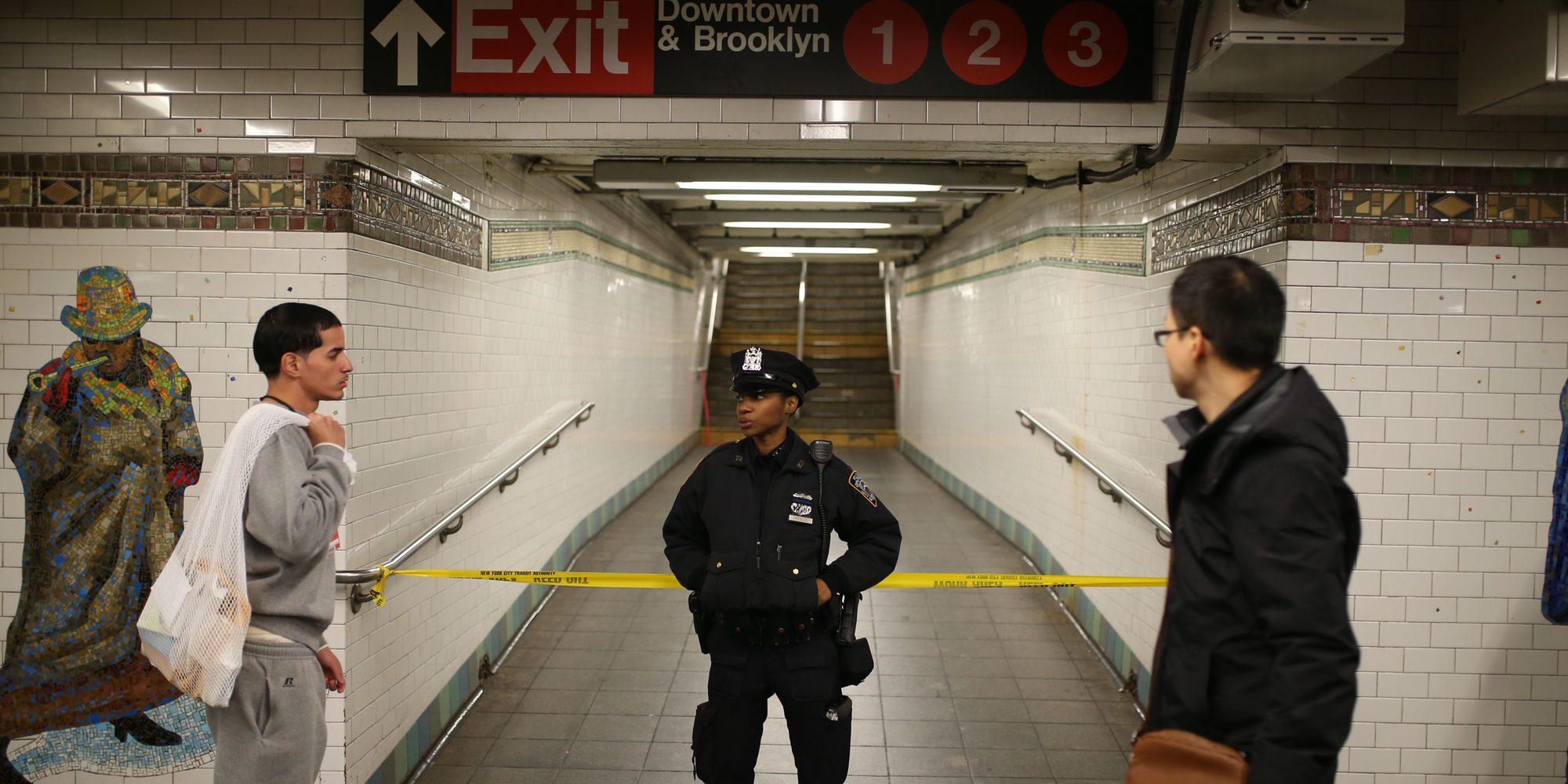 Una mujer muere tras ser empujada por otra a las vías del metro en una estación de Nueva York