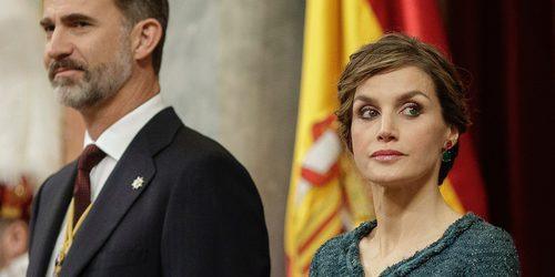 La Reina Letizia, protagonista involuntaria en el Congreso por su tensión y su moratón en la pierna