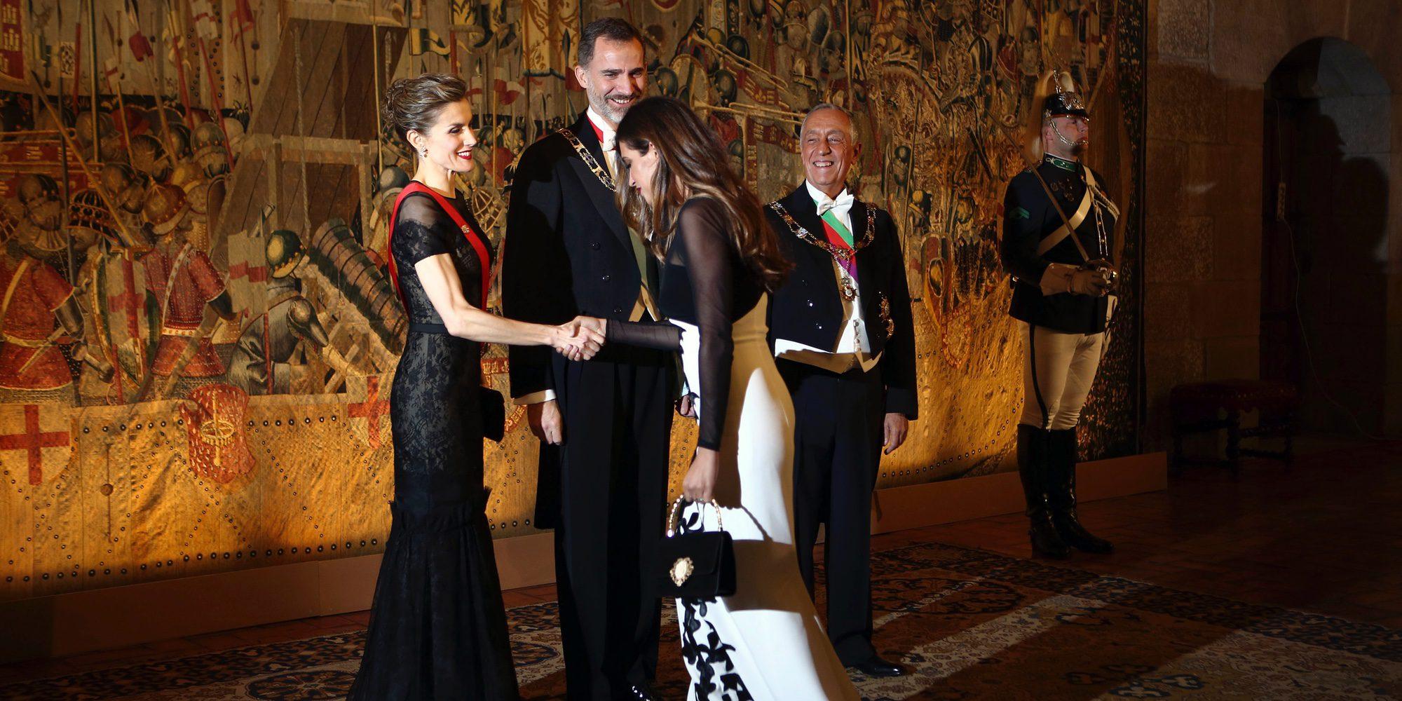 Los Reyes Felipe y Letizia, de cena de gala con Iker Casillas y Sara Carbonero en Portugal